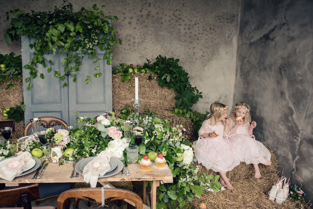 A rustic wedding themed editorial photo shoot at Norwood Park in Nottingham (21)