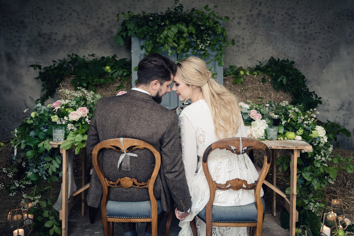 A rustic wedding themed editorial photo shoot at Norwood Park in Nottingham (11)