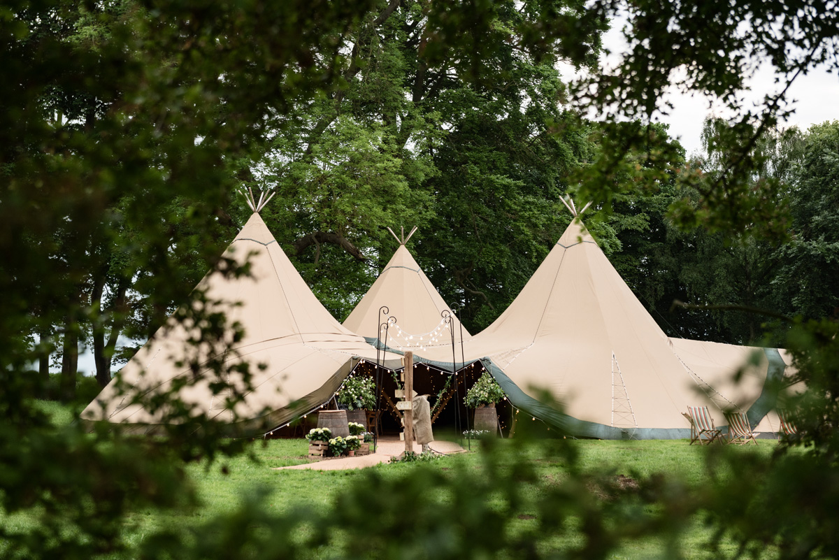 Pipewell Hall, an outdoor & tipi wedding venue in Northants (8)