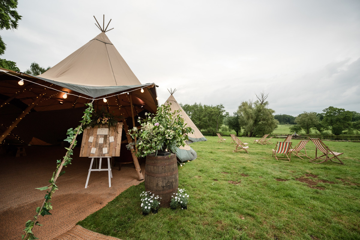 Pipewell Hall, an outdoor & tipi wedding venue in Northants (9)