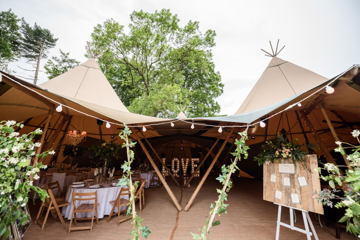 Pipewell Hall, an outdoor & tipi wedding venue in Northants (10)