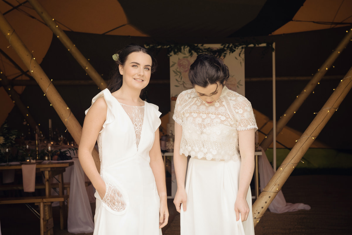 A Tuscany themed outdoor tipi wedding at Cattows Farm in Leicestershire (30)