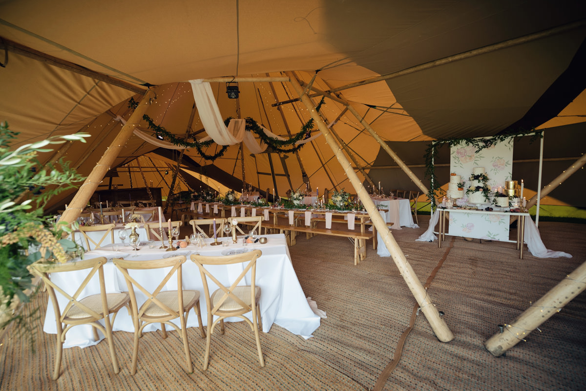A Tuscany themed outdoor tipi wedding at Cattows Farm in Leicestershire (27)