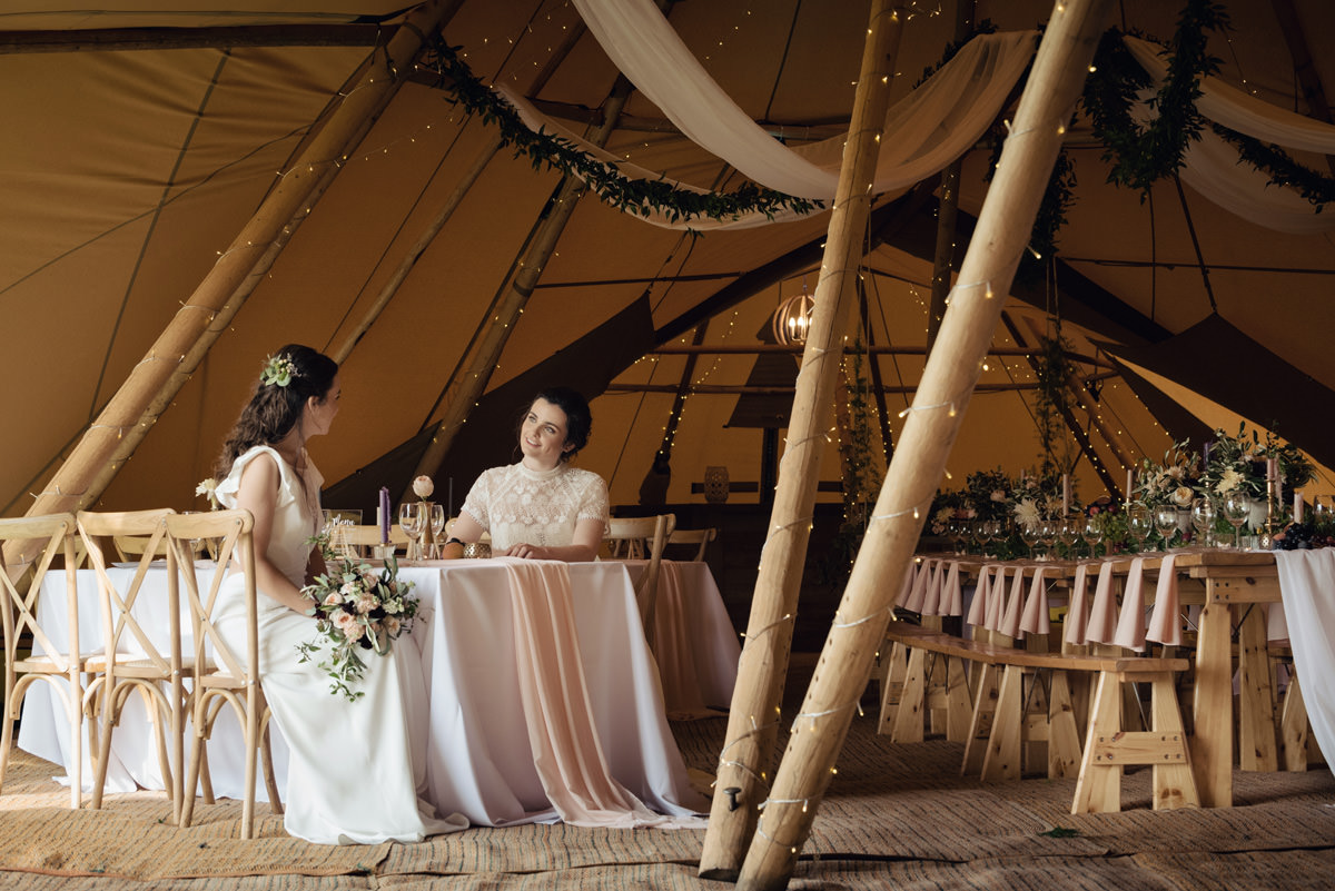 A Tuscany themed outdoor tipi wedding at Cattows Farm in Leicestershire (24)