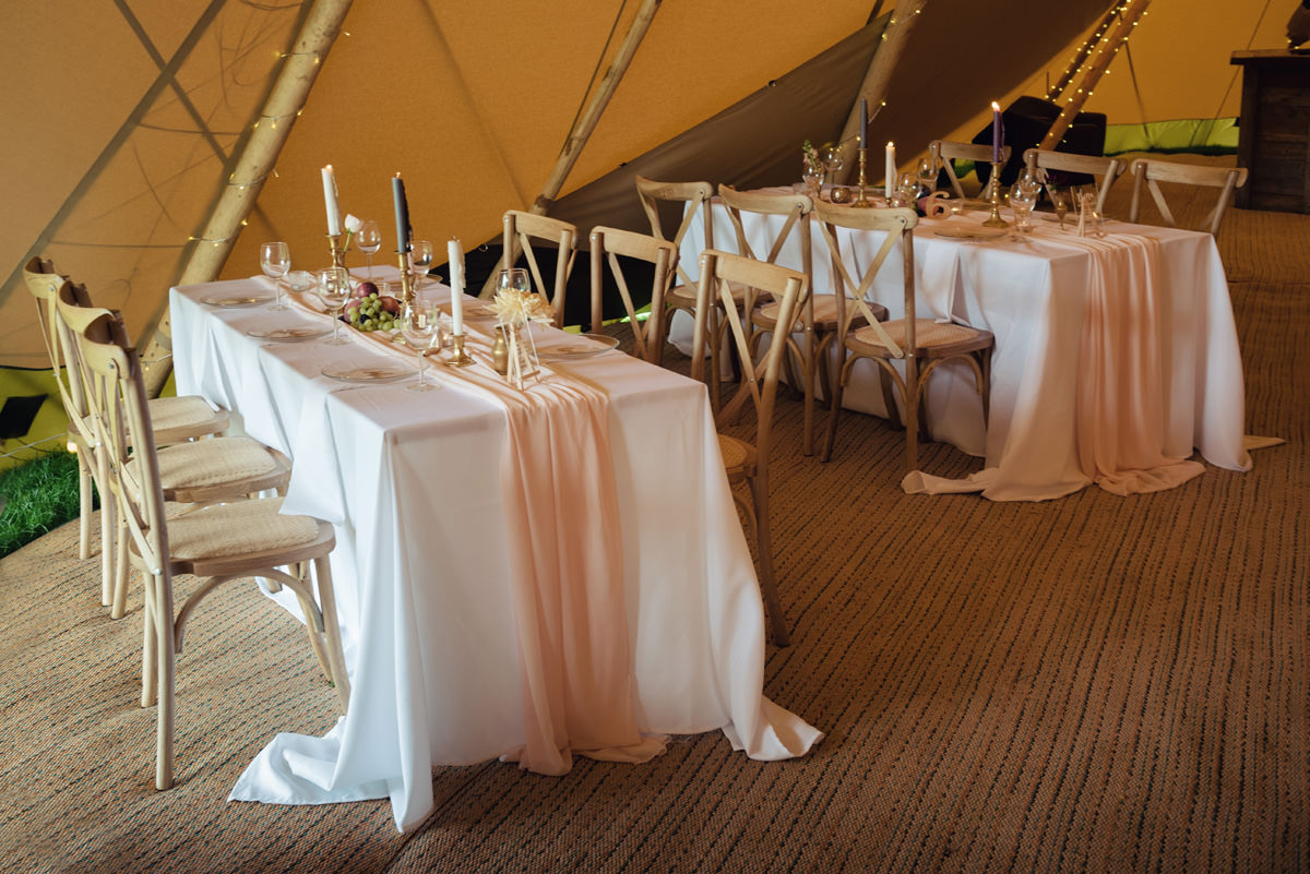 A Tuscany themed outdoor tipi wedding at Cattows Farm in Leicestershire (23)