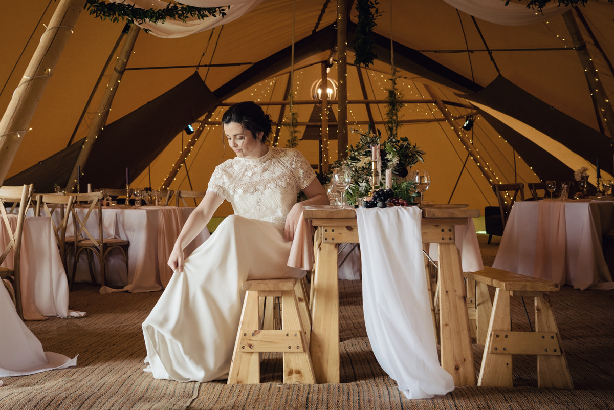 A Tuscany themed outdoor tipi wedding at Cattows Farm in Leicestershire (13)