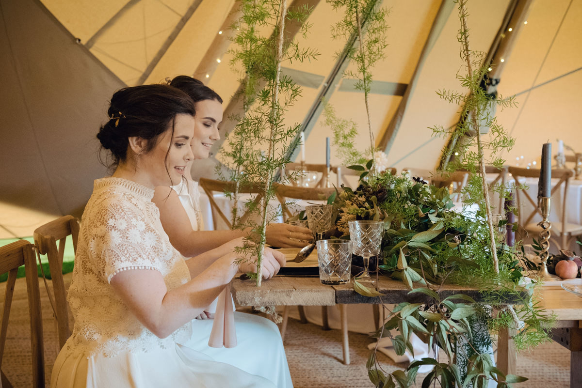 A Tuscany themed outdoor tipi wedding at Cattows Farm in Leicestershire (2)
