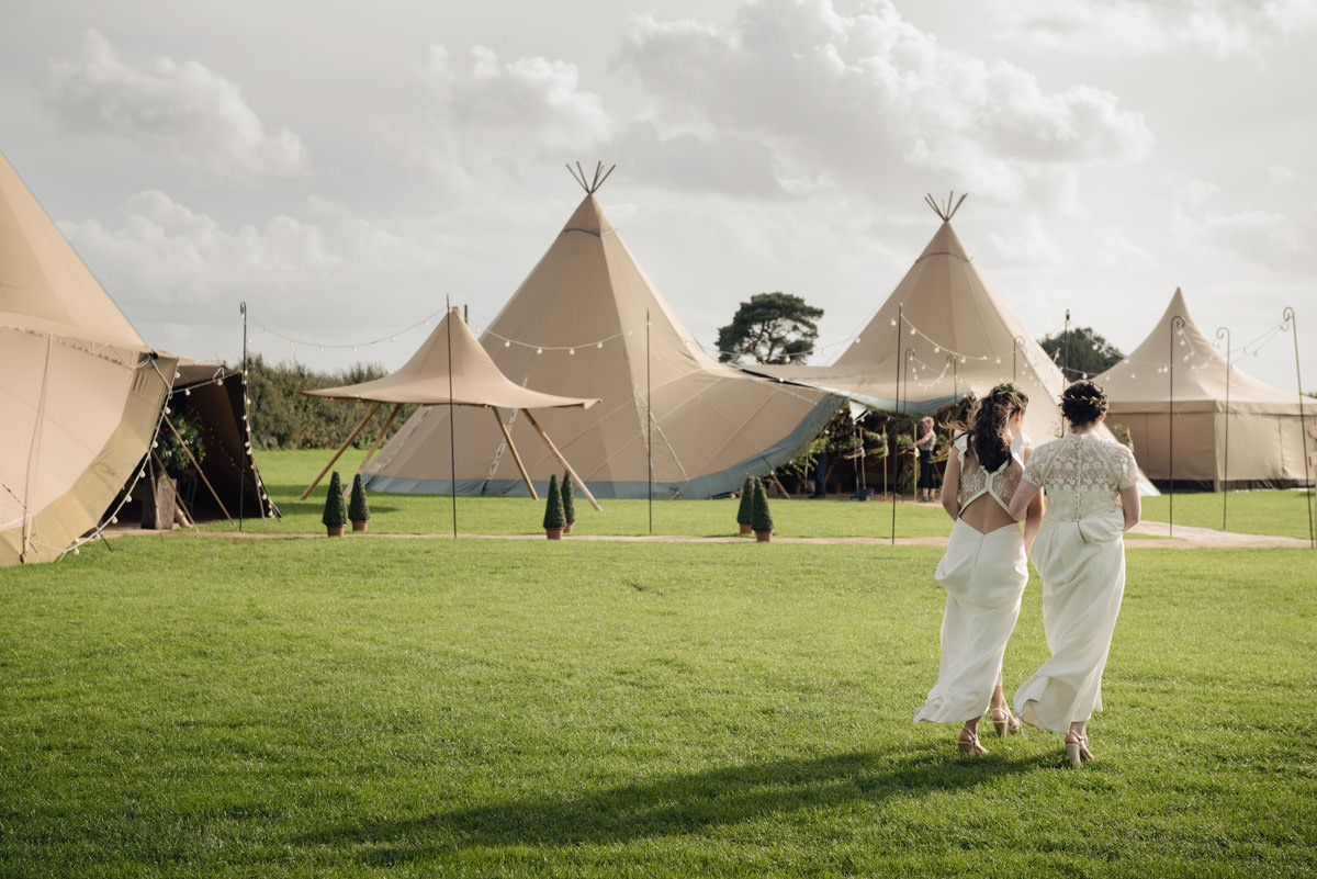 A Tuscany themed outdoor tipi wedding at Cattows Farm in Leicestershire (50)