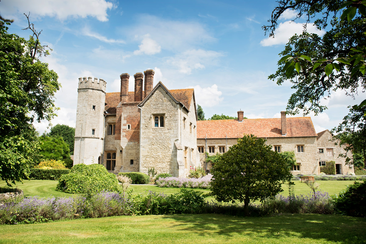 Notley Abbey wedding venue in Bucks & Oxfordshire