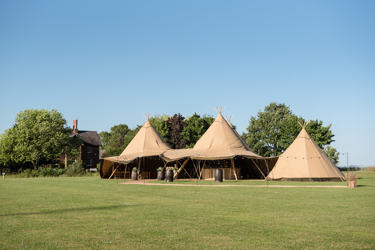 Wedding tipi at Sywell Grange in Northampton