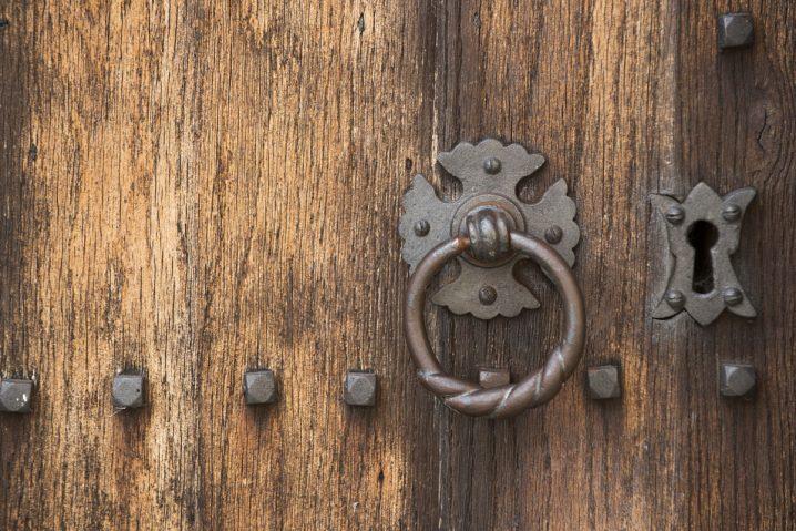 Door handle at Notley Abbey